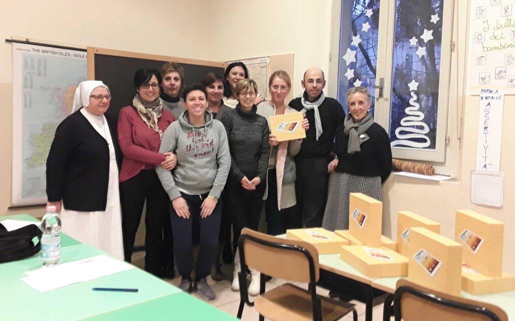 I docenti della primaria Canossa di Castelleone insieme alla nostra tutor Lorella Binda