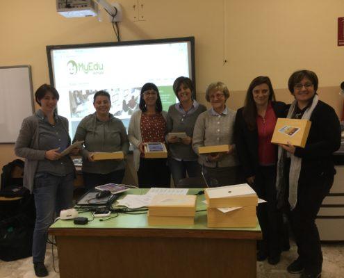 Le maestre della Scuola San Giuseppe di Susa all'incontro per l'installazione dei tablet