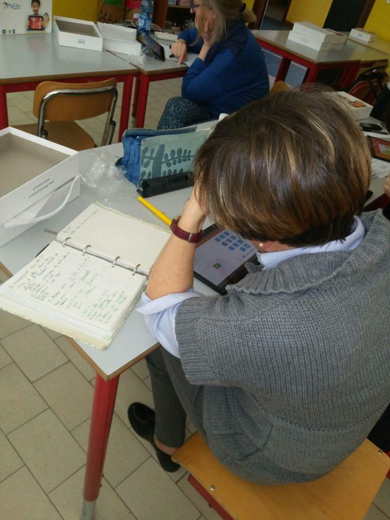 Docenti a lezione con i tablet di FME Education a Lugagnano di Sona