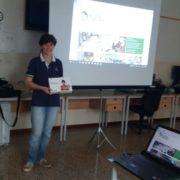 La direttrice dell'IP San Giuseppe Daniela Zonta con i tablet di MyEdu, durante il seminario docenti